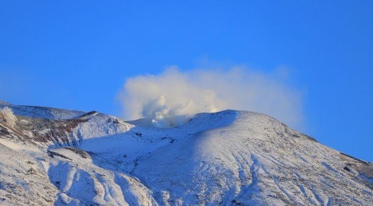 【北海道】十勝岳で火山性地震が急増!27日16時~20時までに「100回」も観測