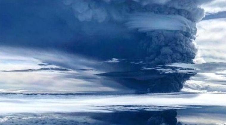 【火山噴火】パプアニューギニアのウラウン山が大噴火…噴煙19000メートルまで上げる