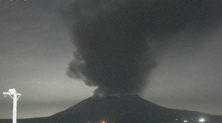 九州の火山が活発化!桜島が噴火…噴煙2500メートルを上げる