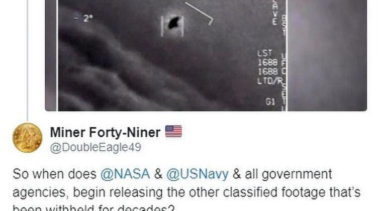 【未確認航空現象】アメリカ海軍「これはUFOではなくUAPだ」パイロット「ドローンだろ?全部風に逆らってる!見ろよ、あれ!」センサーが物体の速度に追いつけなかった