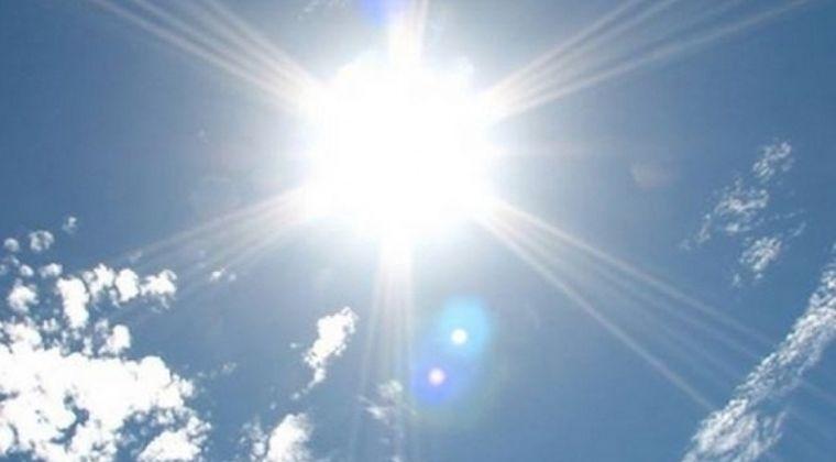 【熱波】日本各地で「40℃」近い気温の上昇…この厳しい暑さ、今月末まで続く模様