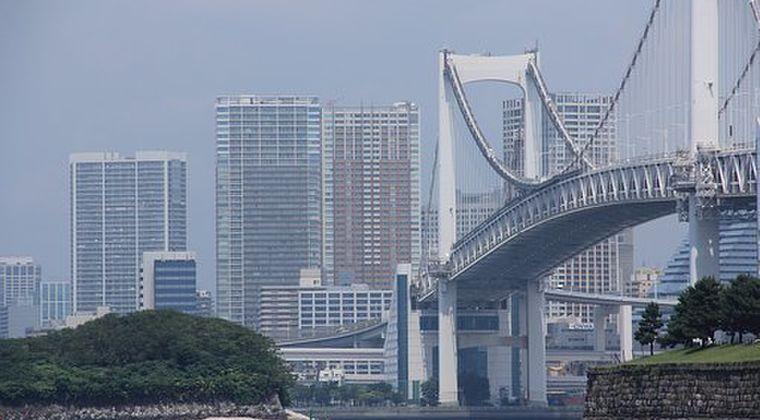 【奇跡】東京湾の「大腸菌などの水質最悪レベル4がたった1日でレベル1までに低下!匂いも消えた!真夏の太陽のおかげ」 → スイム中止から一転、予定通り行われる