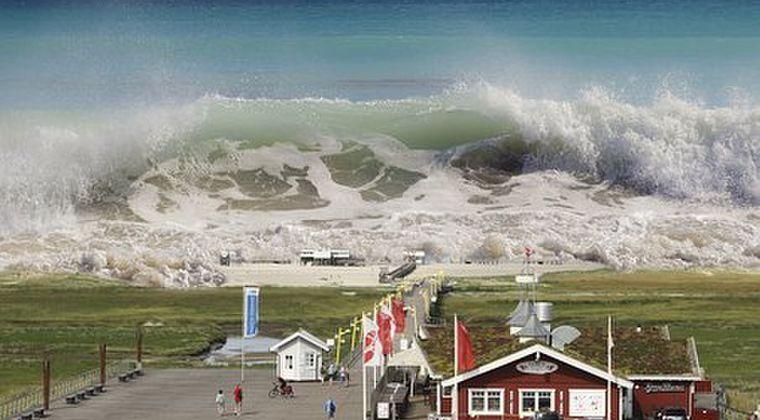 大地震発生時の「津波」がきた時って、逆に海に向かって行ったらイカンのか?