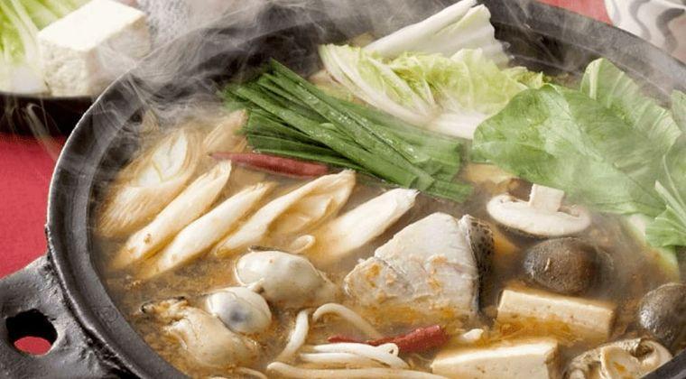 ピリ辛スープの寄せ鍋♪ 「ぶり・かき・冬野菜のピリ辛鍋」作り方・レシピ