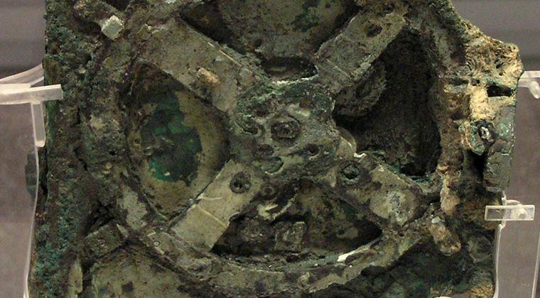 【オーパーツ】2000年前に製造された「アンティキティラ島の機械」がついに復元される!