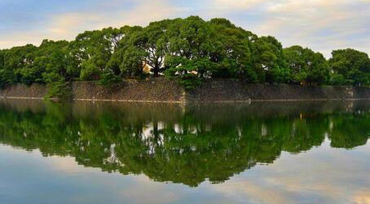 【首都直下】今度は「皇居」付近で異臭騒ぎ…排水溝からガスのような匂いが発生