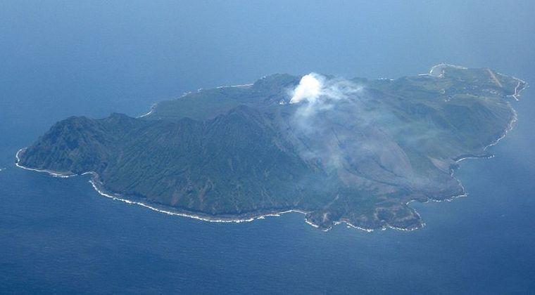 【トカラ列島】鹿児島の諏訪之瀬島の火山が噴火…口永良部島ではマグマが増加、5年前の噴火直前に匹敵