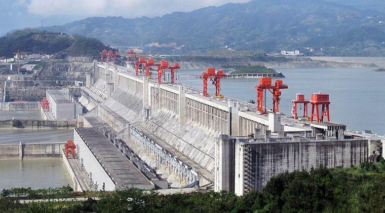 【大洪水】世界最大の中国「三峡ダム」に決壊の危機?集中豪雨で大規模水害が続く