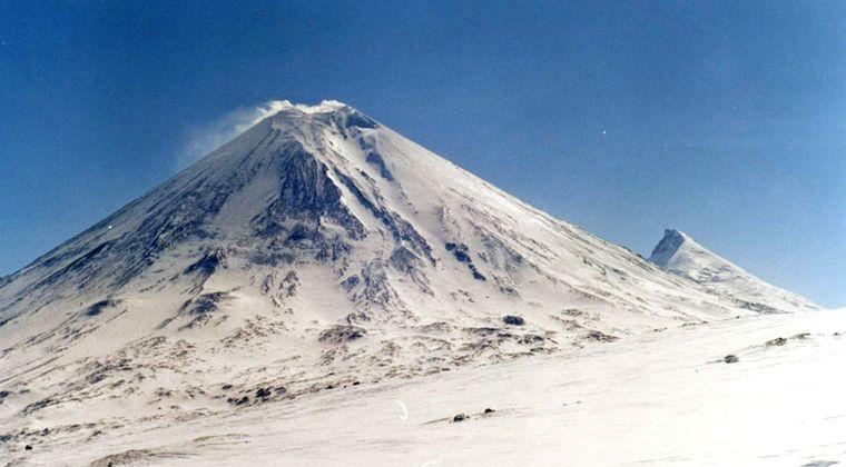 【ロシア】カムチャツカ半島のクリュチェフスコイ火山が噴火…噴煙6000メートルを上げる