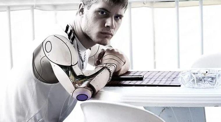 【サイボーグ】「ロボットにロボットを作らせてはならない」ただ1つの理由とは?