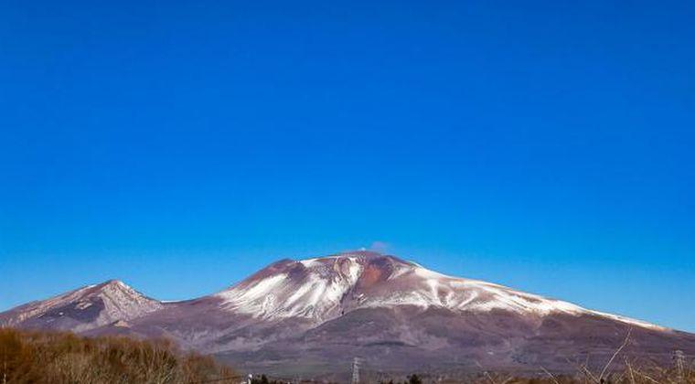 【群馬・長野】浅間山に小噴火、草津白根山の湯釜付近では水蒸気噴火のおそれあり…予知連が警戒