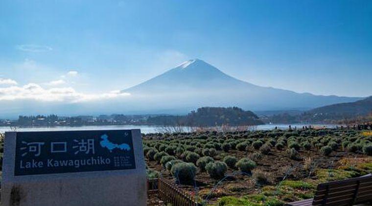 【前触れ】2021年、ついに「富士山噴火」が起こる?静岡地元住民「昨年、雪がほとんど積もってなかった。初めて見る光景だった」