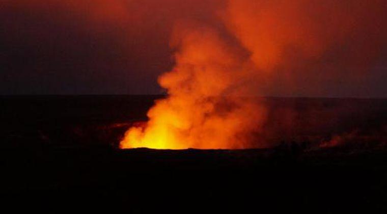 【アメリカ】USGS「ハワイ島のキラウエア火山が噴火した。火山灰が大量に放出される可能性がある」と警告