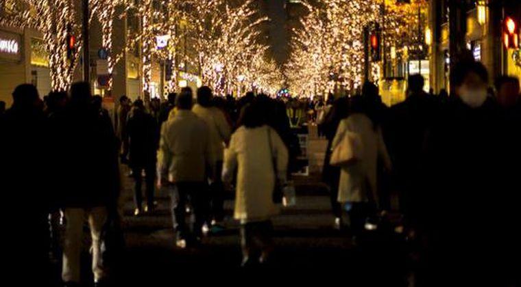 【東京】クリスマス、年末でどこも混雑、人混み!変異種が出ても誰も自粛しなくなる…ネットでは「ヤバすぎる」「みんな出歩けるのが不思議」の声
