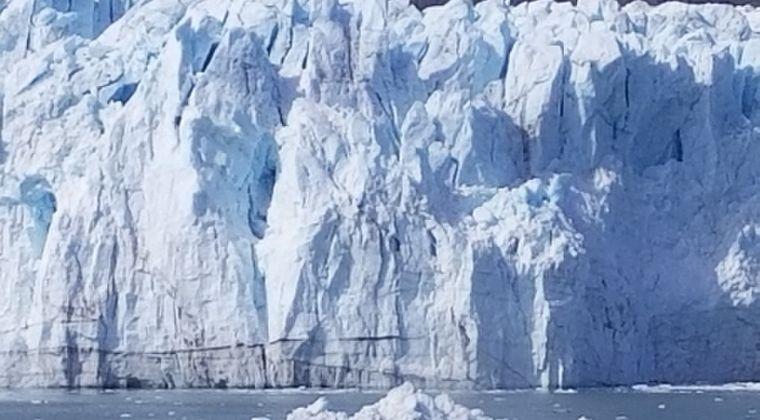 沖縄よりもデカい「氷山」が南大西洋を漂流中…12月にサウスジョージア島に激突か
