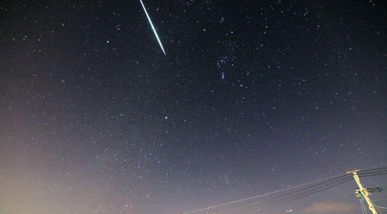 【隕石】東京周辺、深夜に「謎の轟音」が鳴り響く…火球か?家が揺れたなどの情報がネット上に相次ぐ