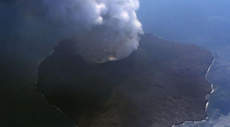 【マグマ】噴火が続く西之島の噴火方式に変化の兆し…今後は火口が崩壊したり、島が無くなる可能性も