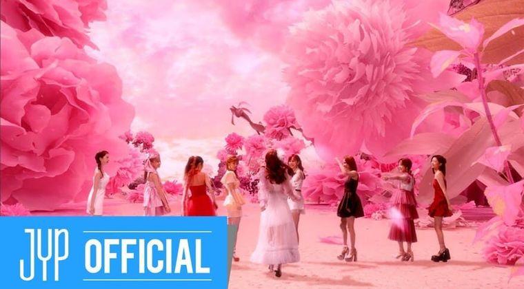 NiziU「ミイヒいない」デビュー曲MV解禁に様々な声…マヤも?メンバー脱退の噂