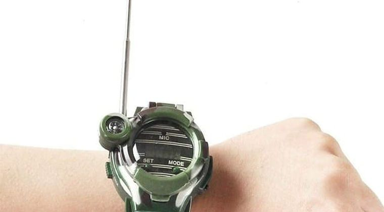 Amazonで1位の腕時計バカ売れ。子供部屋おじさんの好奇心くすぐる機能満載