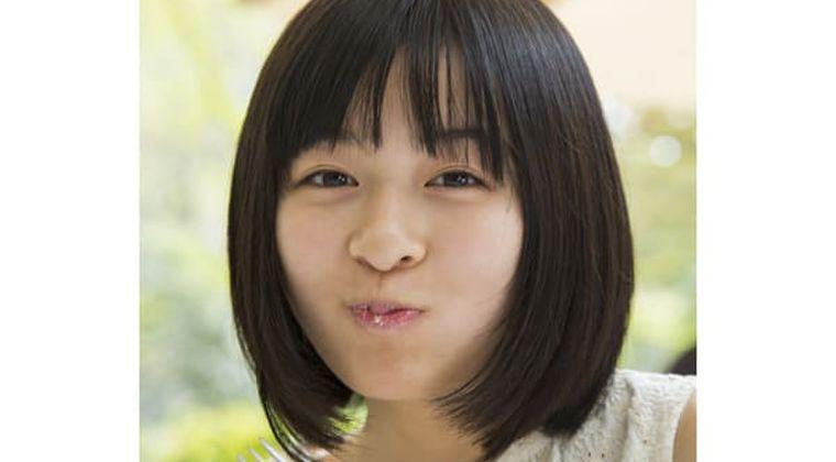 【炎上】森七菜、汚いサーモンの食べ方に物議「韓国人が」「ホームレスが」