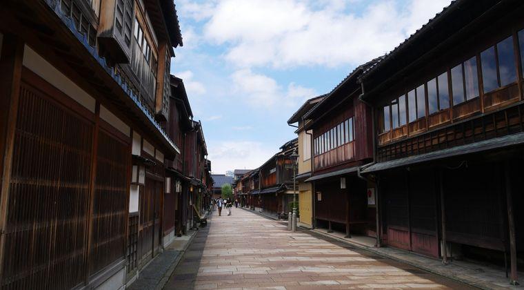 【画像】江戸時代の平均的な長屋で1週間過ごしたら3万円。やる?