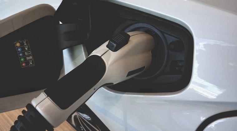 「中国のCATLには負けられない」 トヨタ・パナが電池連合へwww