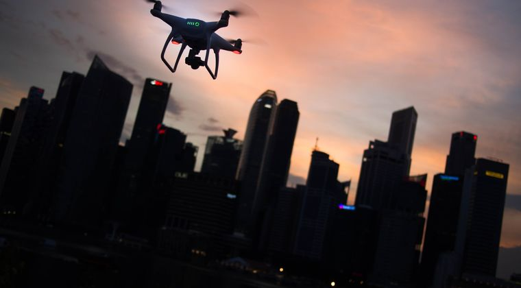 中国・上海、ドローンを使ってQRコードを夜空に浮かべてしまう……