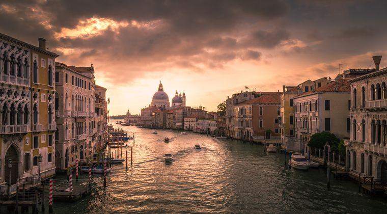 イタリアとかいう「政治×、経済×、治安△、歴史○、ファッション◎、料理◎」の国