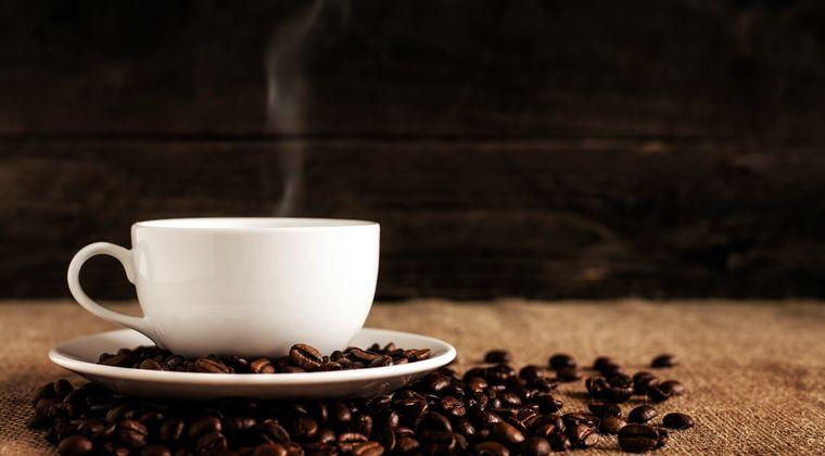 ワイ「ブラックコーヒーうめぇ(嘘だよ!本当はカフェオレ飲みたいよ!❤)」 #コーヒー