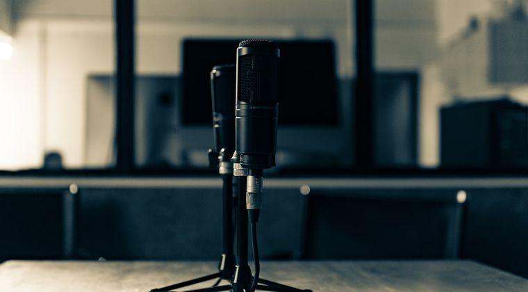 32だけど声優になりたいんだがまず何すればいい? #声優