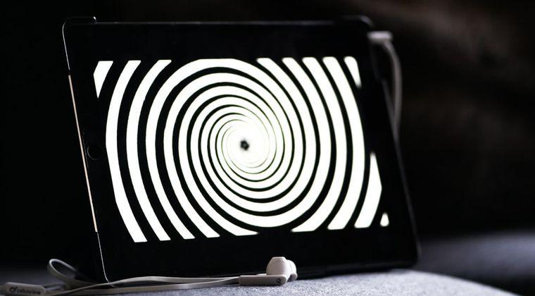 【悲報】催眠音声、効かない #催眠音声