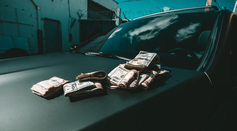 【緊急】悲報 大学2年生ワイ、本日の風俗で遂に高校時代貯めた貯金 50万が消える #風俗