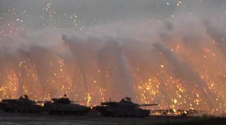 【訓練】富士山で自衛隊が軍事演習してるの見て、ガチでヤバいって気付いた