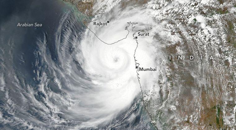 【最悪】猛烈な巨大サイクロンがコロナ禍のインドを直撃!各地で豪雨や暴風で甚大な被害