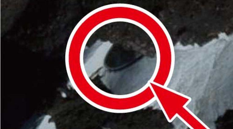 【グーグルマップ】南極のある岩場に「UFO」が隠れてるのが発見されてしまう...