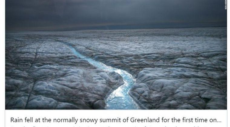 【異変】グリーンランド山頂に初めて雨が降る…観測史上初