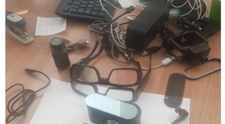【工作活動】ウクライナで「日本のスパイ」が国境警備隊に拘束され、スパイグッズが公開されてしまう...