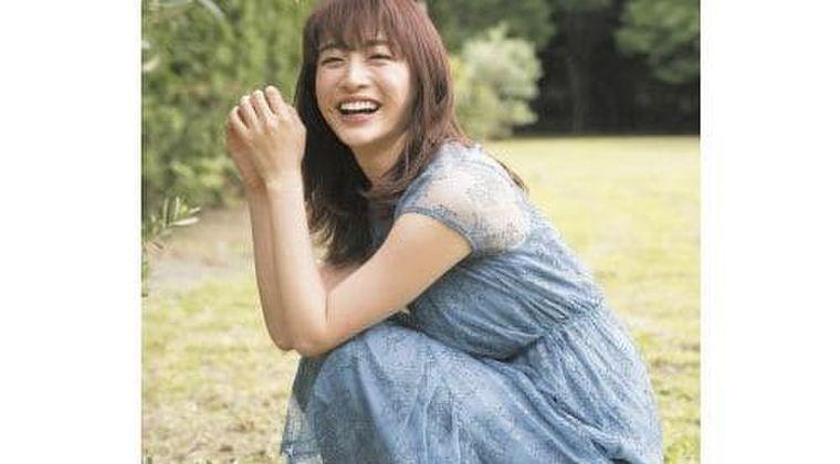 新井恵理那、ワキを匂わせ!?エモいノースリーブ画像に大興奮(芸能ニュースまとめ 2021/5/17)