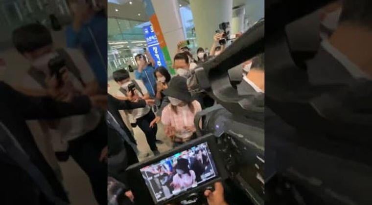 宮脇咲良、韓国入りで空港騒然の大パニック…BTSの警護チームが警護か?