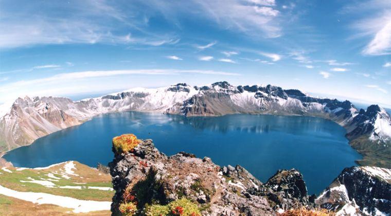 【大噴火間近】北朝鮮科学者「白頭山周辺の地質動向が尋常ではない」「地中の密度・重力・磁場変化などを綿密に記録している」