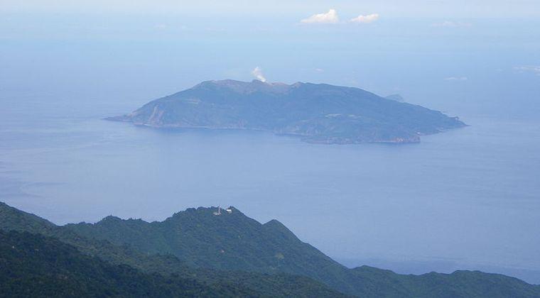 【火山活発化】鹿児島の口永良部島で火山性地震が115回も発生…噴火する可能性が高まる