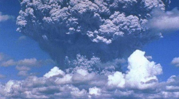 【超巨大噴火】原規委「1万年に1回起きている『破局的噴火』を警戒するため、姶良カルデラの海底火山を常時観測します」