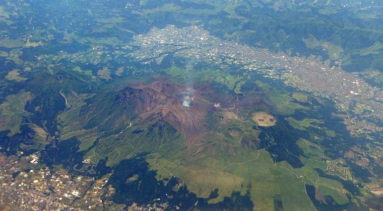 【大分】川底から9万年前の流木が見つかる…過去の阿蘇山大噴火により50km離れた地点で出土