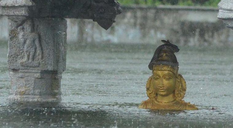インド南部で洪水が数週間続く…大雨により更に深刻な状況