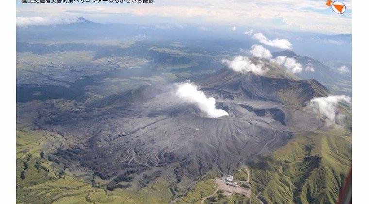 【阿蘇山噴火】近年、地下のマグマが活発であり今後同規模程度の噴火、及び1ヶ月以上は火山活動が続くおそれ…熊本では「火山灰と雨」による大規模停電も発生