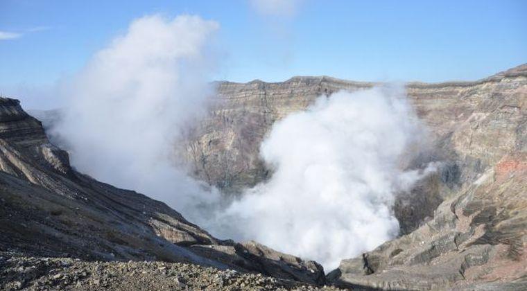 【火山活動】阿蘇山の火山ガス放出量が増加!気象庁「非常に多い状態」と発表