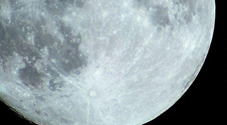 【クレーター】月の裏側の地下に「謎の超巨大金属物体」が存在していることが判明…研究者「とにかく謎だらけ」