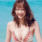 高田秋 笑顔が素敵な癒し系お姉さん。