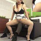 ムッチリ巨乳な熟女が部長に迫り完全着衣のまま腰を振り、突かれて乳を揺らして感じちゃう