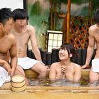 合宿中の男湯で男子部員たちのチ○ポの悩みを手コキとフェラで解決 3